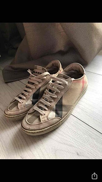Bej Burberry Sneakers