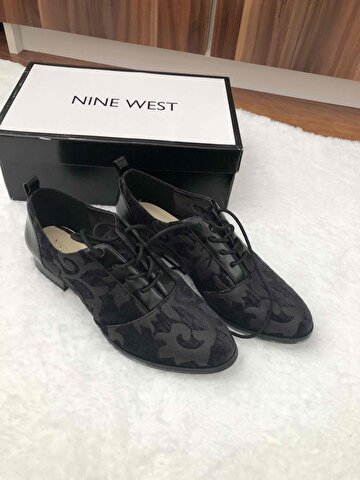 Nine West Oxford