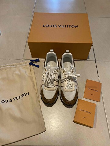 Beyaz Louis Vuitton Sneakers