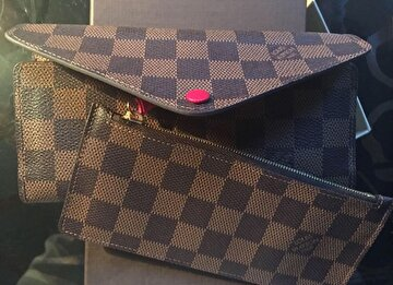 Louis Vuitton Cüzdan