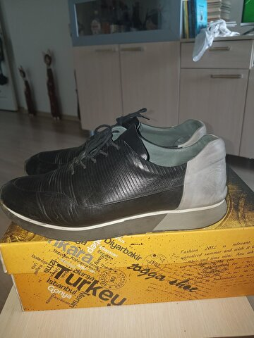 Togo Sneakers