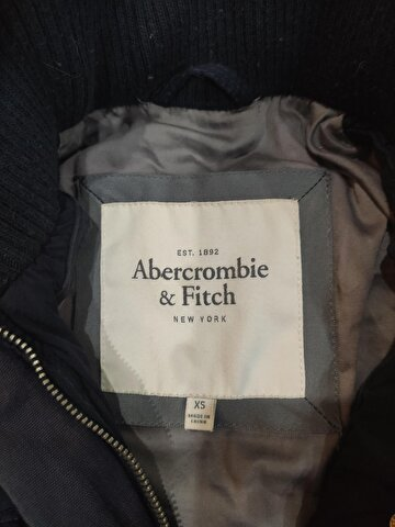 Abercrombie & Fitch Mont