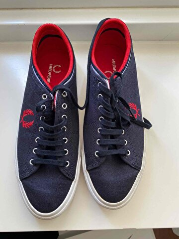 Lacivert Fred Perry Sneakers