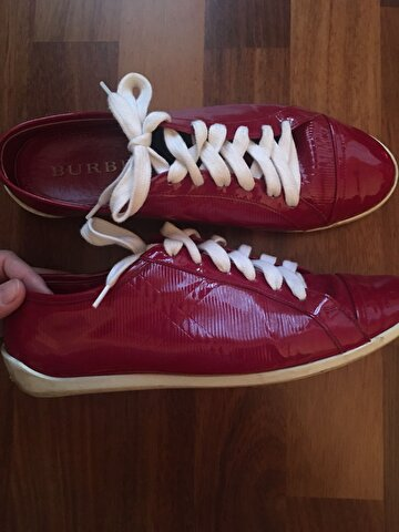 Pembe Burberry Sneakers 1.950 TL 1