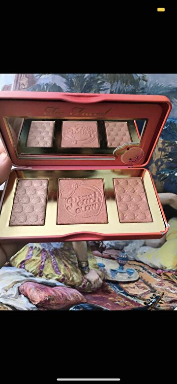 Too Faced Allık