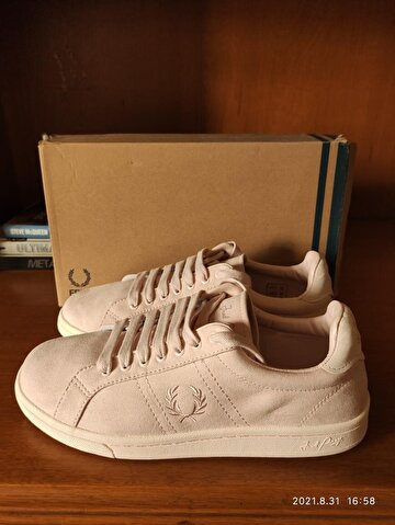Pembe Fred Perry Sneakers