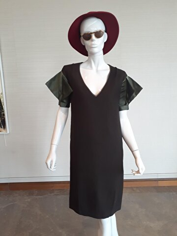 Costume National Ofis Stili