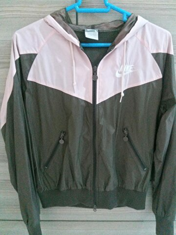 Pudra Nike Mont 70 TL 1
