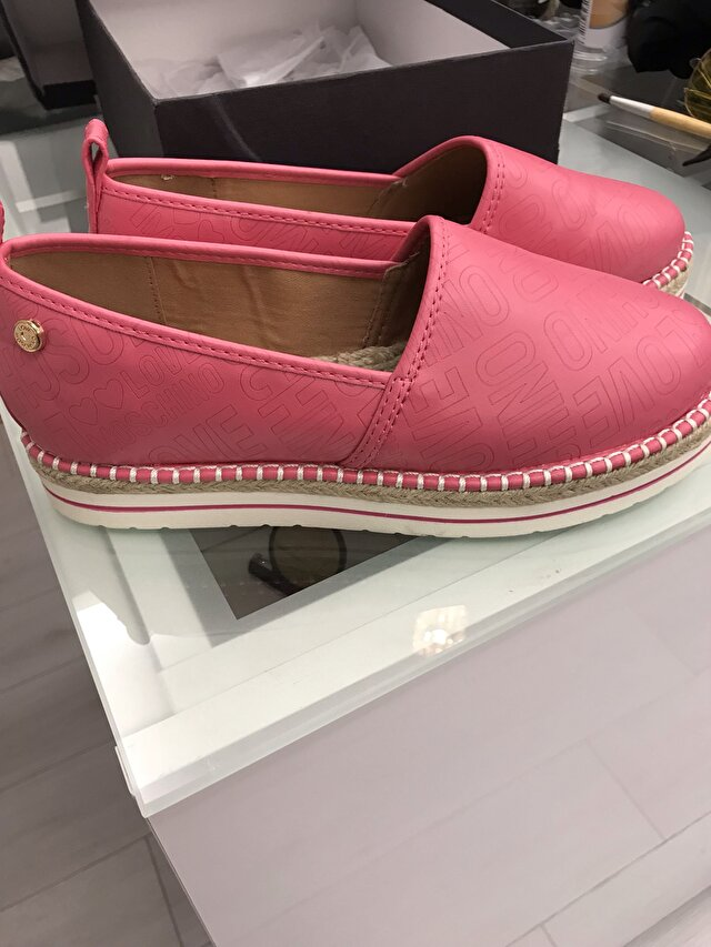 Pembe Love Moschino Sneakers 550 TL 3