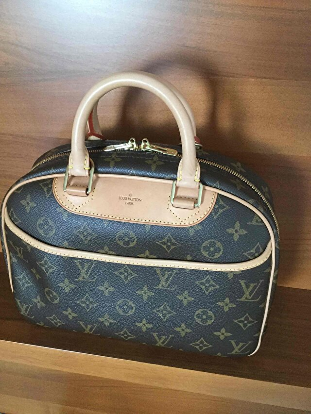 Taba Louis Vuitton Kol Çantası 1