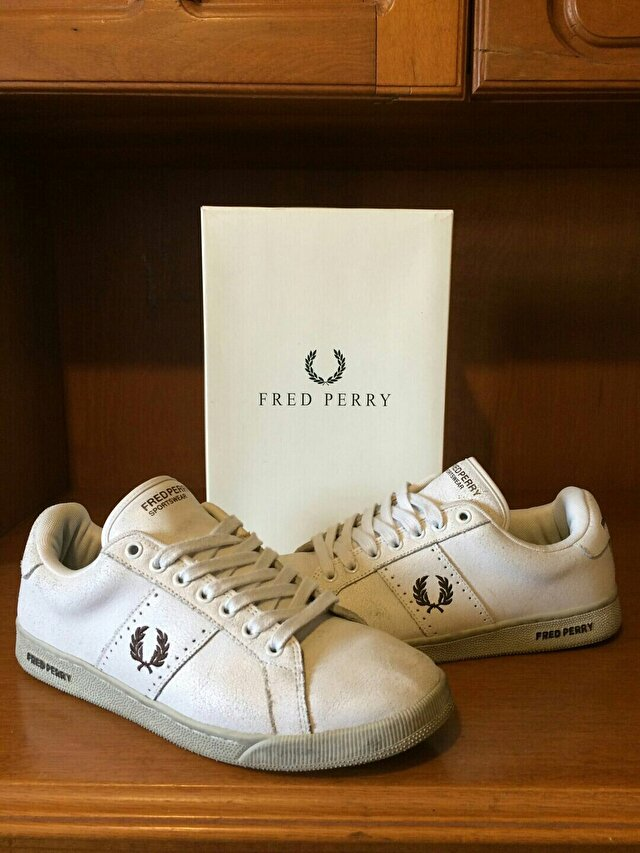 Beyaz Fred Perry Sneakers 300 TL 1