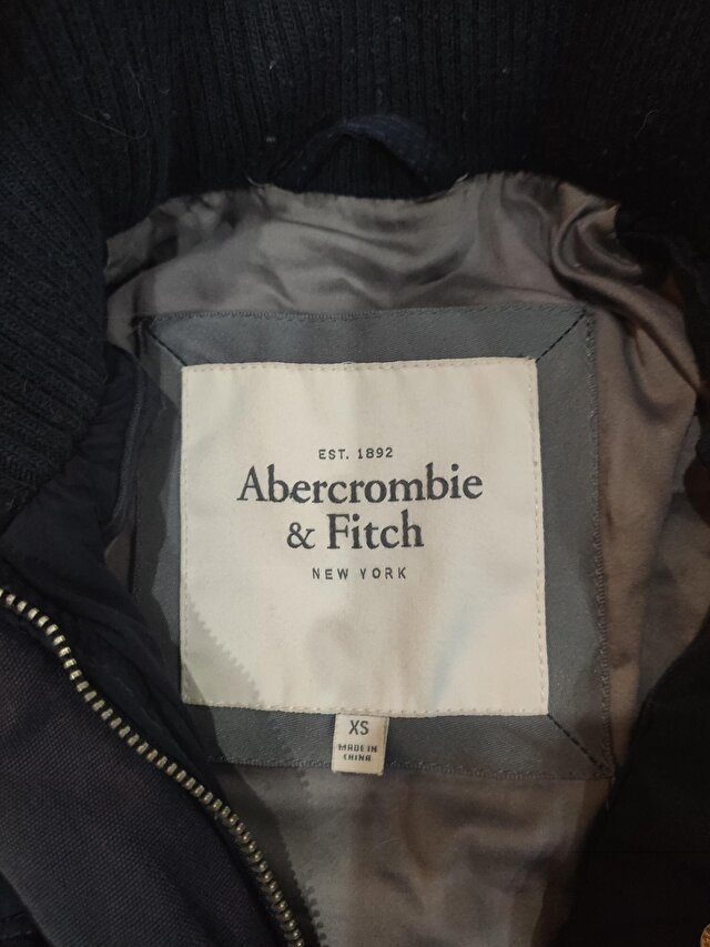Siyah Abercrombie & Fitch Mont 0