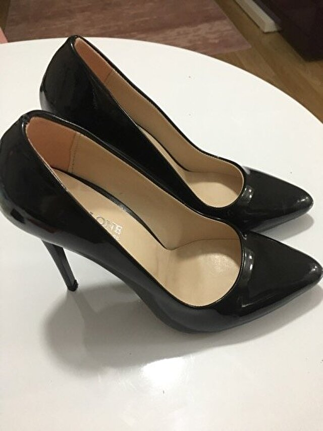 Siyah İnce Topuk Stiletto 65 TL 1