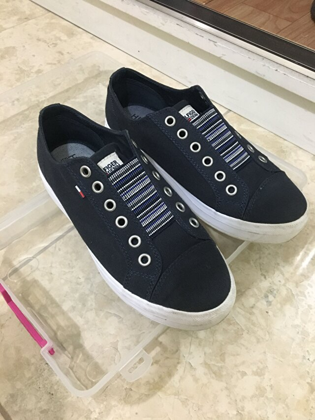 Lacivert Tommy Hilfiger Sneakers 250 TL 1