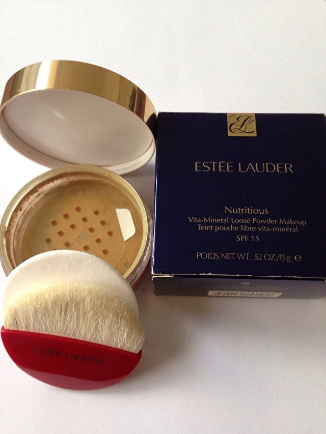 ESTEE LAUDER Nutritions Vita Mineral Loose Powder Makeup SPF  15