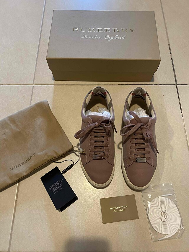 Pudra Burberry Sneakers 1