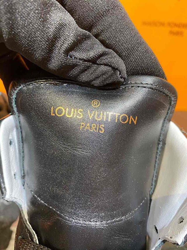Beyaz Louis Vuitton Bot 2