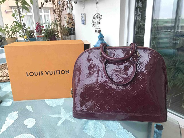 Bordo Louis Vuitton Kol Çantası 1
