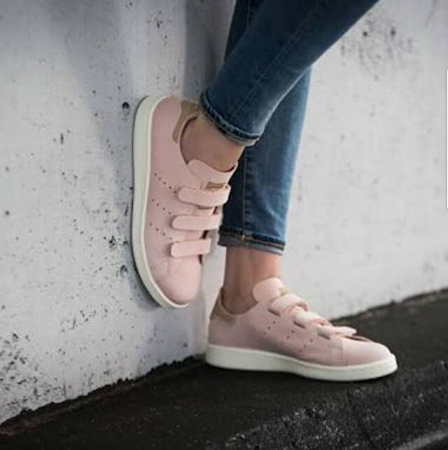 Pudra Adidas Sneakers 200 TL 0